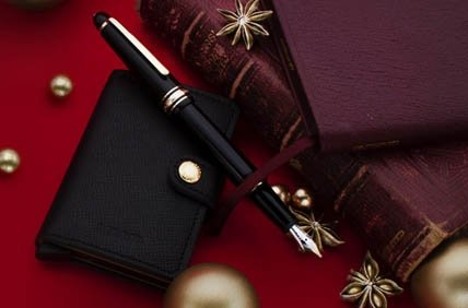Wallets, Document Holders and Leather Goods